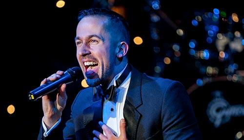 Waiter singing