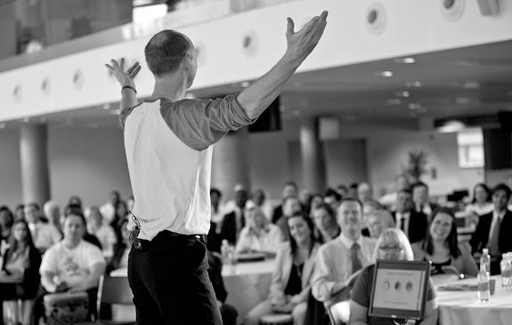 how to become a team building facilitator